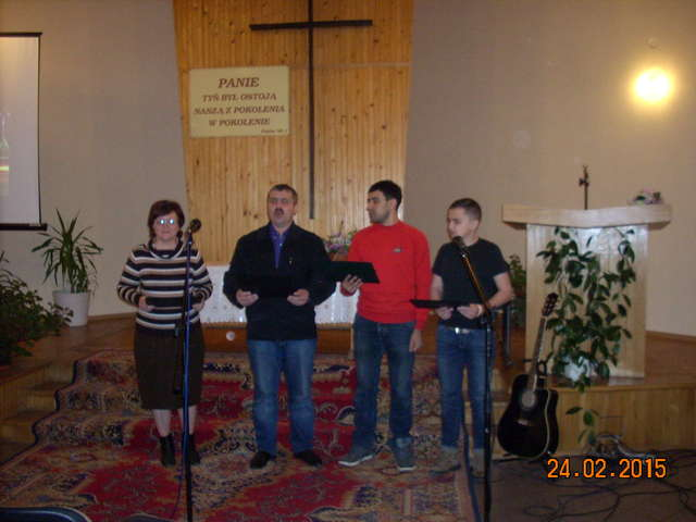 Podpalili zbór, bo pastor nie chciał zrzec się wiary i uznać rosyjskiej władzy - full image