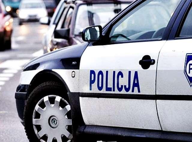 W każdym tygodniu policja zatrzymuje kilku nietrzeźwych szoferów. Ilu udaje  się bezkarnie przejechać...? - full image