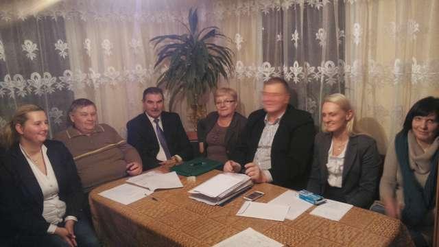 Zebranie wiejskie w Dziubielach