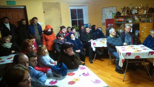 Zebranie wiejskie w Chmielewie