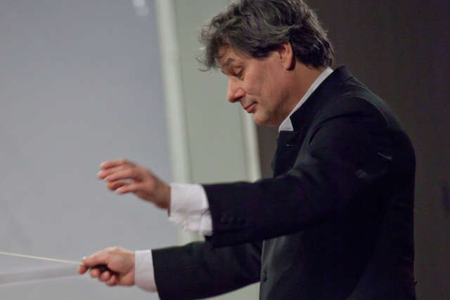Wariacje, koncert kontrabasowy i słynna symfonia - full image