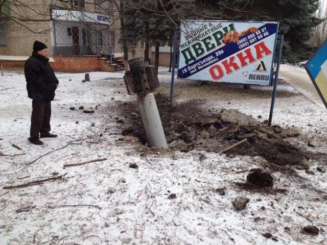 Rosyjscy terroryści strzelają do dzieci i mordują cywili - full image