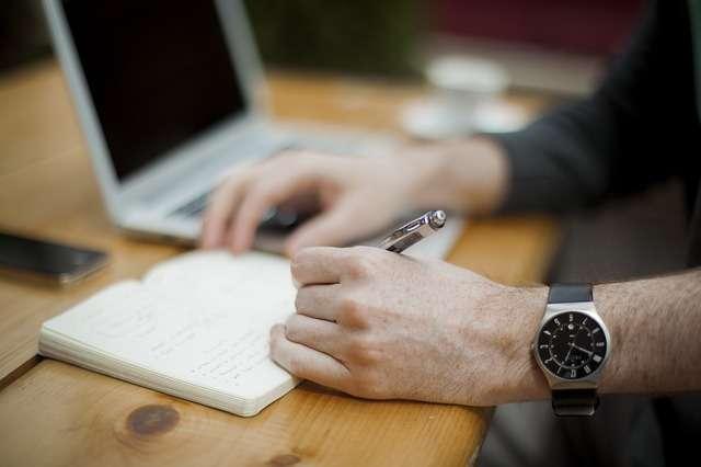 5 kroków, które trzeba zrobić po utracie pracy - full image