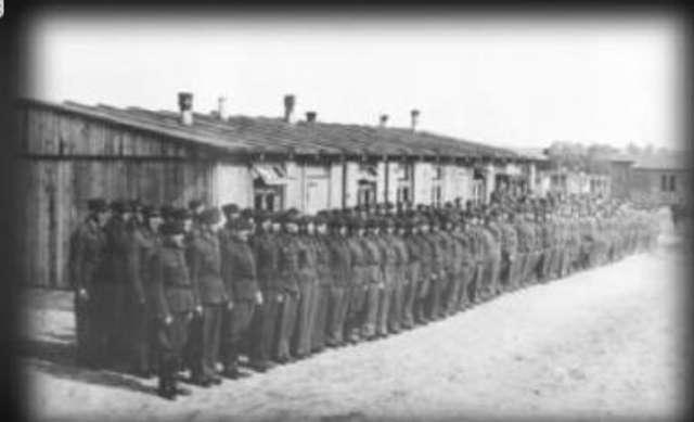 Oryginalna fotografia ze Stalagu 1 B Hohenstein - full image