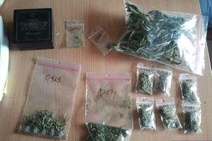 W piwnicy ukrył narkotyki i nielegalne papierosy