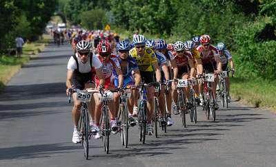 Inauguracja cyklu szosowych wyścigów Kross Road Tour w Przasnyszu