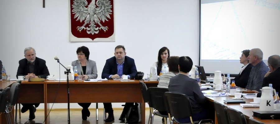 Na sesji przedstawiciel Warmińsko – Mazurskiej Specjalnej Strefy Ekonomicznej przedstawił zasady funkcjonowania terenów inwestycyjnych