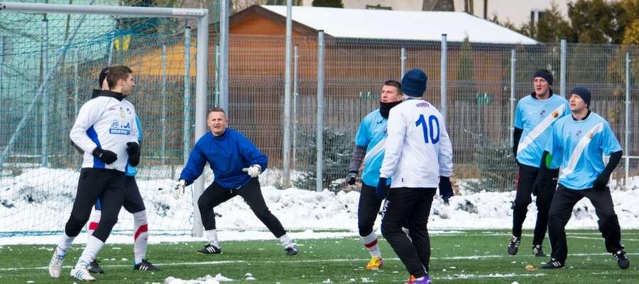 Defensywa Wkry złożona z doświadczonych graczy została wzmocniona bramkarzem Michałem Michalakiem