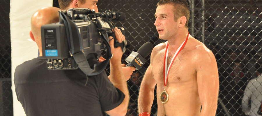 Żuromiński fighter wielokrotnie pokazywany był przez telewizję