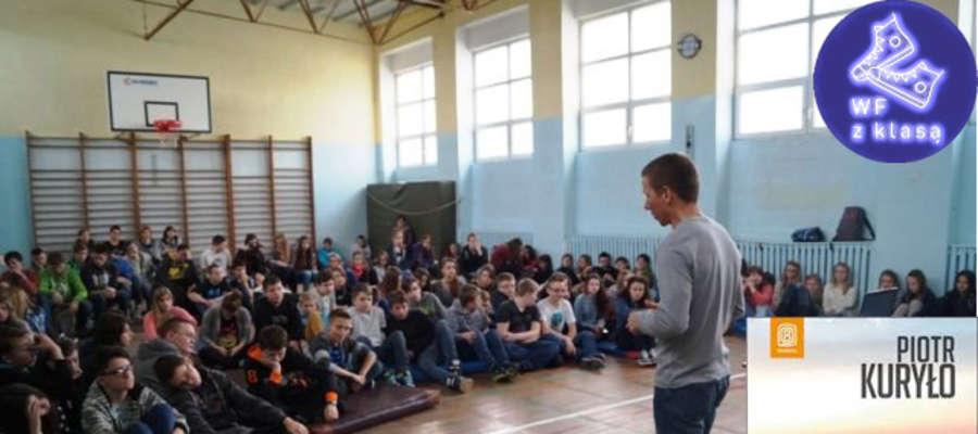 Piotr Kuryło z wizytą w Gimnazjum im. Adama Mickiewicza w Orzyszu