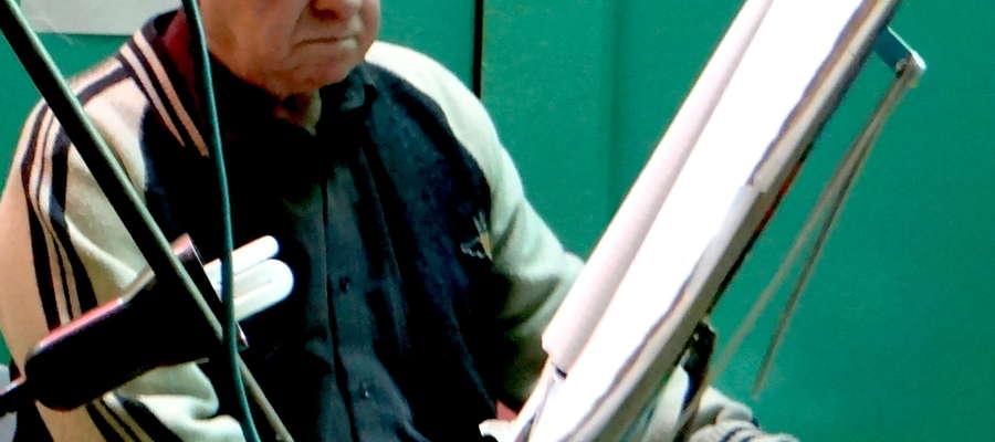 Gerard Barczak zagra tym razem na akordeonie