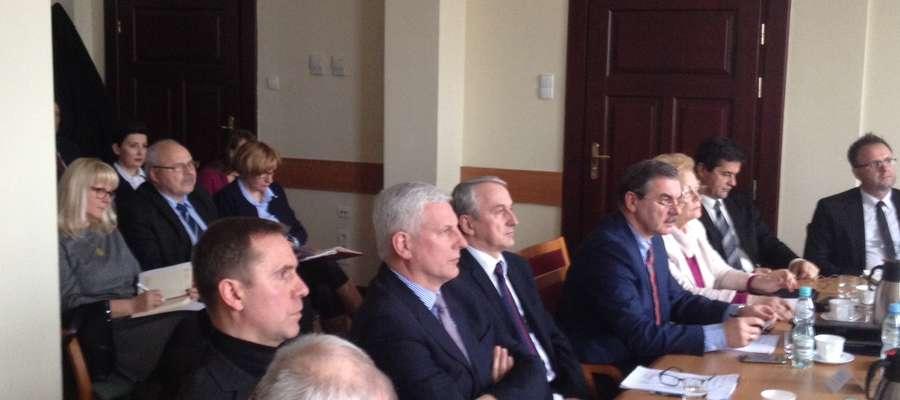 """Po pieniądze unijne trzeba sięgać wspólnie -  do takiego wniosku doszli przedstawiciele 12 gmin, które zawiązały Stowarzyszenie """"Wielkie Jeziora Mazurskie 2020"""""""