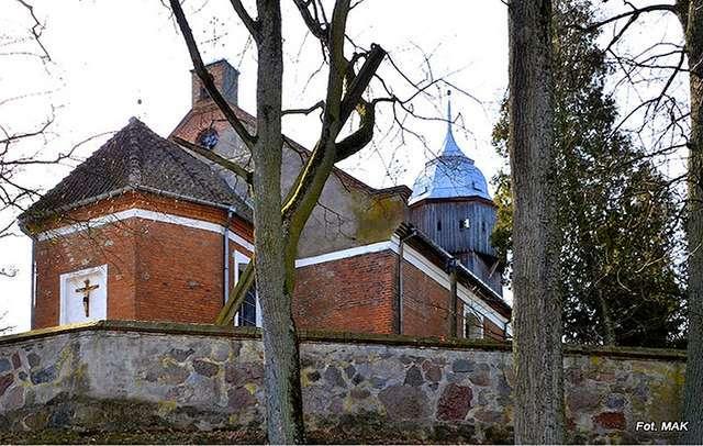 Orzechowo: kościół p.w. Niepokalanego Poczęcia Najświętszej Maryi Panny - full image