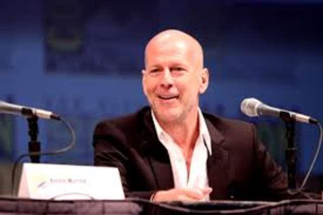 Kirsten Stewart, Bruce Willis i Jesse Eisenberg w nowym filmie Allena - full image