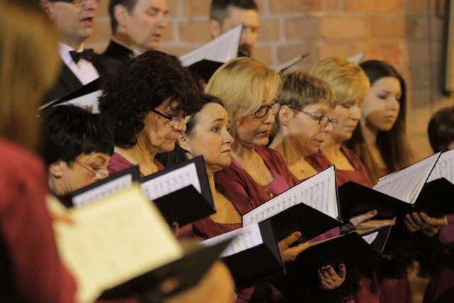 Koncert dedykowany papieżowi w olsztyńskiej katedrze - full image