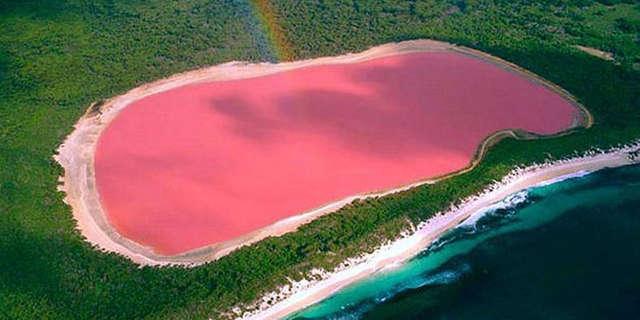 Badacze do dzisiaj nie wiedzą dlaczego wody jeziora Hillier są różowe - full image