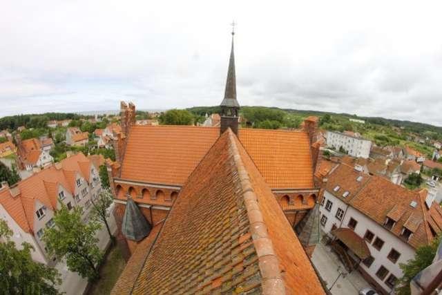 Podziwiaj panoramę Zalewu  i Wysoczyzny z tolkmickich wież - full image