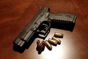 Policjant, który postrzelił mężczyznę na olsztyńskim Zatorzu, usłyszał zarzut