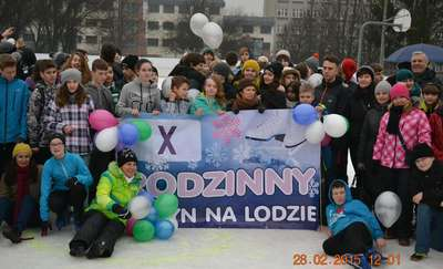 Olsztyniaków połączyła zabawa na lodzie