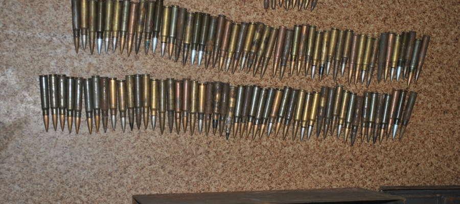 W pomieszczeniu gospodarczym, należącym do mężczyzny, policjanci  zabezpieczyli 101 sztuk amunicji