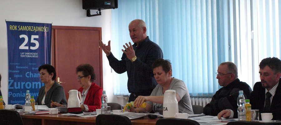 Radny Chmielewski wnioskował o podwyżkę wynagrodzenia dla sołtysów