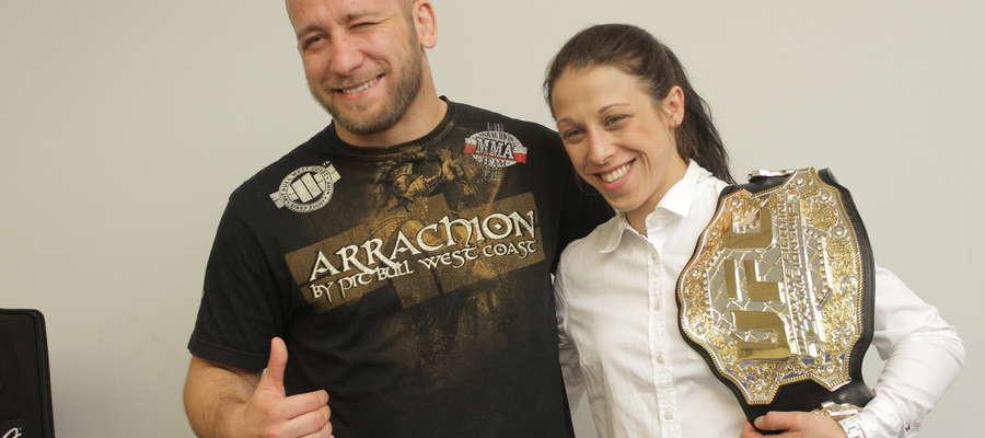Szymon Bońkowski i Joanna Jędrzejczk. Poza tym w Arrachionie mistrzynię UFC trenuje Paweł Derlacz.