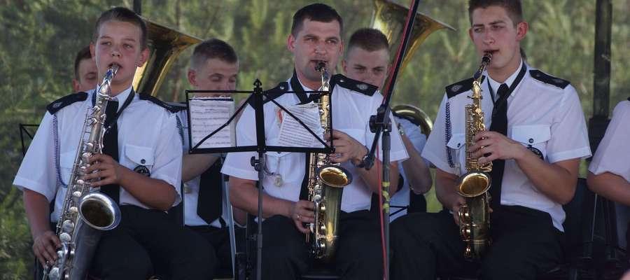ilustracja do treści / Młodzieżowa Orkiestra Dęta przy OSP w Płośnicy (występ w Działdowie, 8 czerwca 2014)