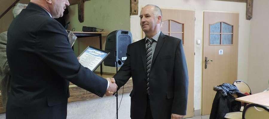 Zygmunt Duda pełnił funkcję sołtysa sześć kadencji. Podziękowania odebrał od wójta Sorkwit Józefa Maciejewskiego