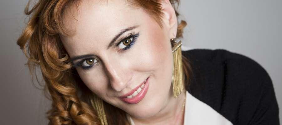 W Gabinecie EWAline oprócz standardowych usług kosmetyczno-fryzjerskich wykonuje się makijaże i fryzury na każdą okazję. To jedna z propozycji...