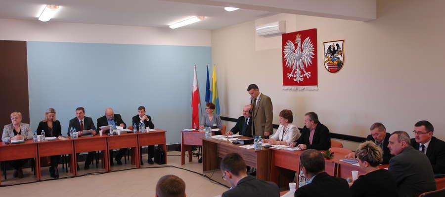 Tradycyjnie sesję otworzył przewodniczący rady Adam Myka