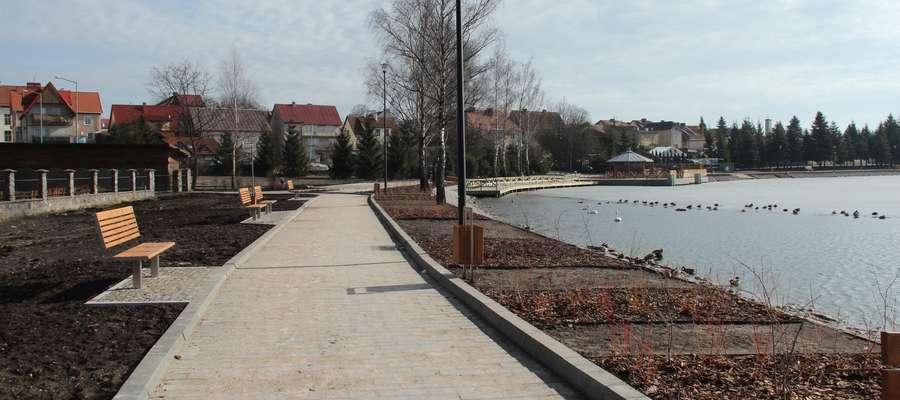 Fragment nowego nabrzeża nad Jeziorem Ryńskim