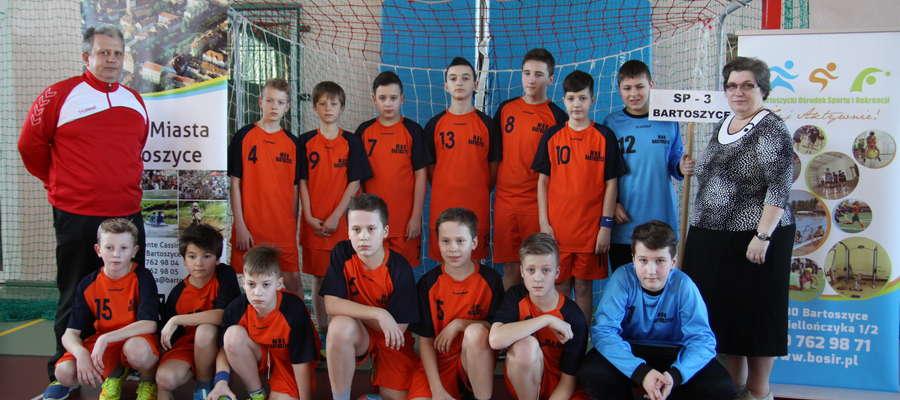 Mistrzowska drużyna z SP nr 3 w Bartoszycach