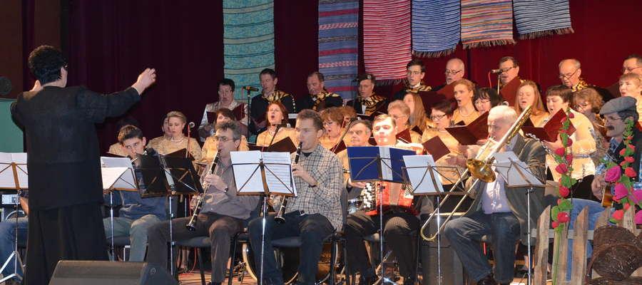 Kaziuki nad Węgorapą, 4 marca 2015 r. Na scenie WCK: Chór Moderato i Orkiestra Small Band