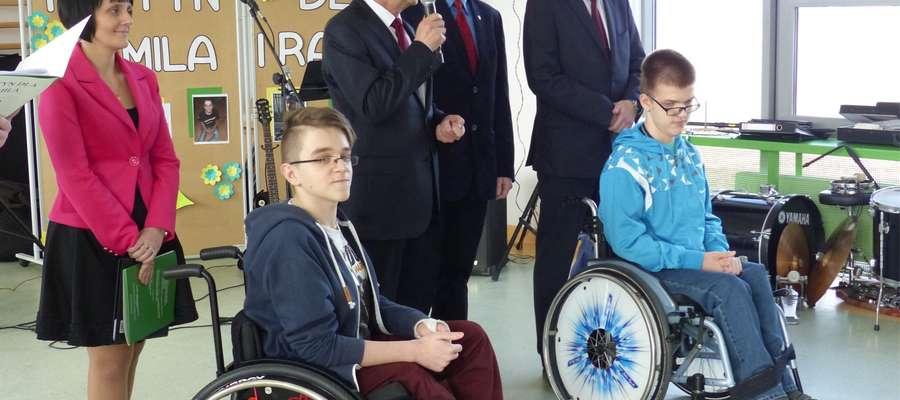 Kamil (z lewej) i Rafał podczas rozpoczęcia festynu