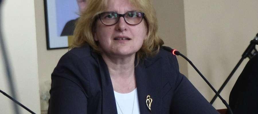 Kwestie przesunięć w budżecie wyjaśniała podczas sesji Mariola Zdrojewska, wiceburmistrz Iławy