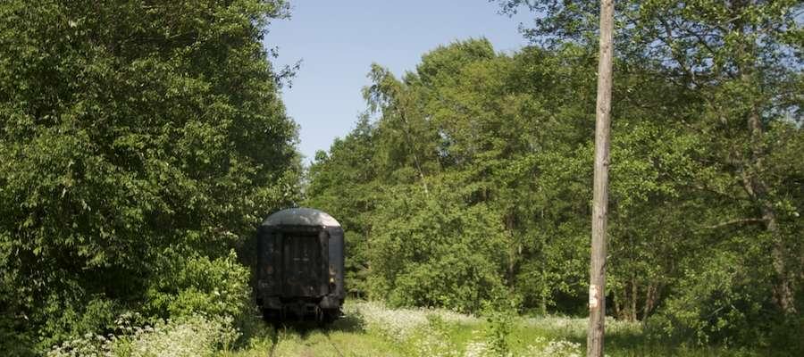 Zamiast pociągu, turystów koleją nadzalewową woziły będą drezyny