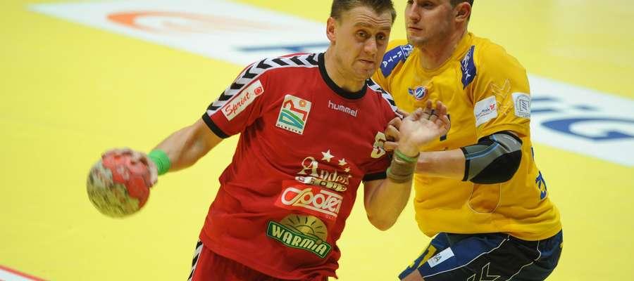 Daniel Żółtak jest wychowankiem Warmii, ale największe sukcesy odnosił z Vive Kielce (żółta koszulka).