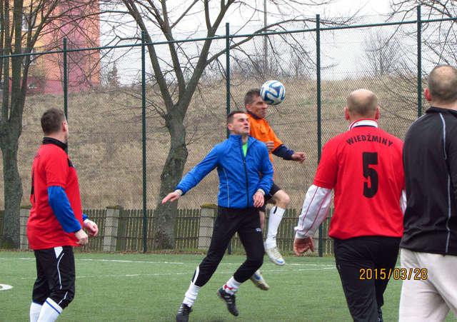 Piłkarze 35+ zagrali o Puchar Wójta - full image