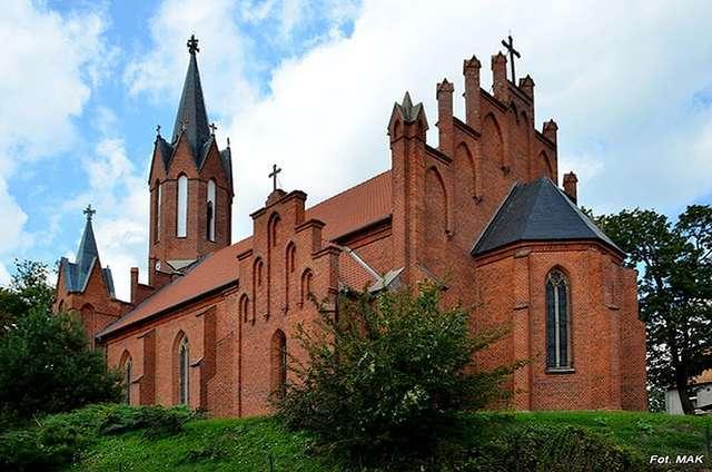 Lutry: kościół z II poł. XIX wieku - full image