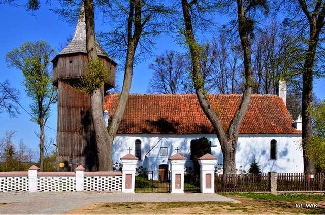 Kłębowo: kościół p.w. św. Małgorzaty - full image