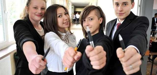 egzamin gimnazjalny - full image