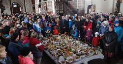 Święcenie pokarmów w bazylice kolegiackiej w Nowym Mieście