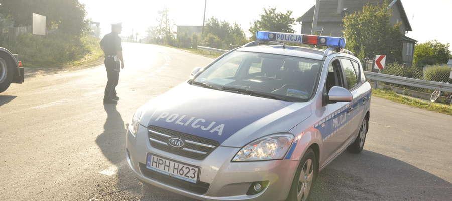 Pościg policyjny skończył się zatrzymaniem pijanego kierowcy