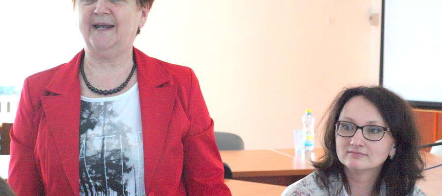 Maria Żołnowska (po lewej) chce odejść z urzędu. Burmistrz na stanowisko skarbnik zaproponowała Edytę Sobczak (po prawej)