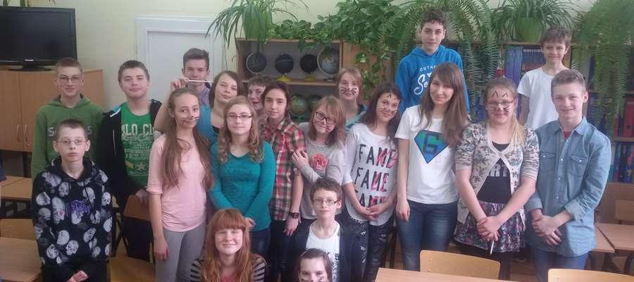 Uczniowie SP 1 w Mrągowie uczestniczyli w warsztatach z Anna Gruszczyńską Ambasador Royal Geographical Society