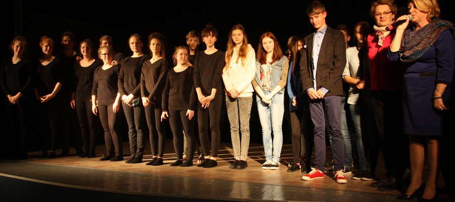 Młodzi aktorzy po premierach swoich spektakli na scenie GCK