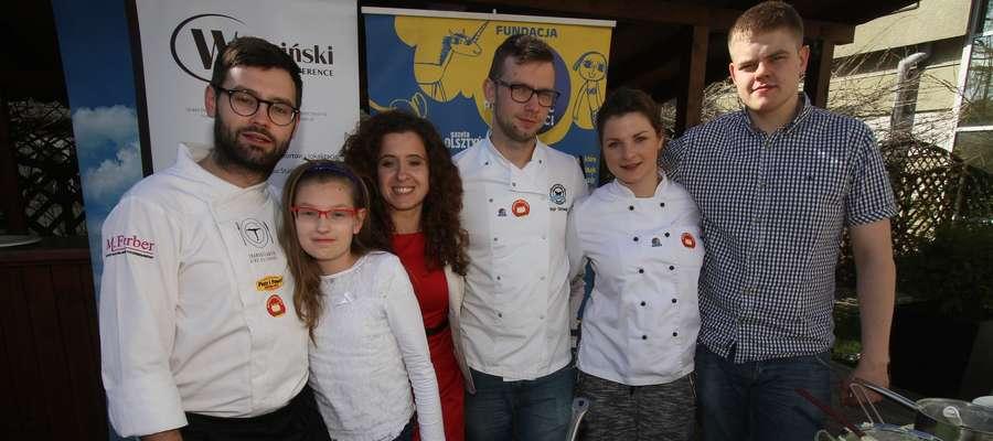 Trzynastoletnia Maja Grzegrzółka (druga z lewej) choruje, odkąd skończyła pół roku. W sobotę to ona będzie główną bohaterką imprezy w Hotelu Warmińskim