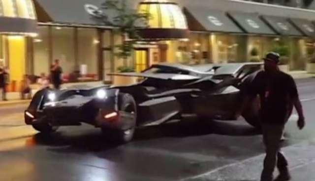 Batmobile na planie Suicide Squad? - full image