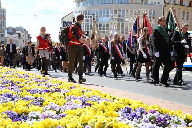 Przemarsz ulicami Olsztyna w święto Konstytucji 3 Maja [PROGRAM] - full image