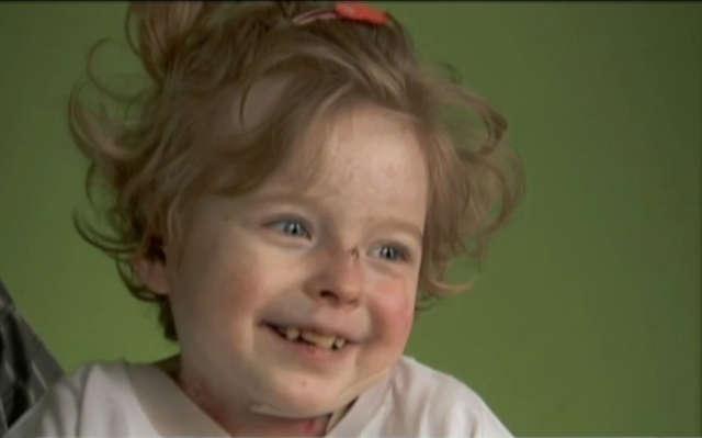 Zebrano 6 mln na leczenie chorej Zuzi - full image